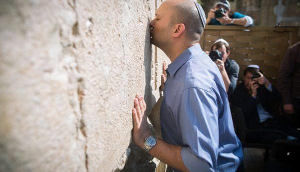 درسٌ من وزير التربية الصهيوني!بقلم حسين لقرع