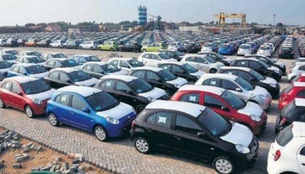هل تتراجع الحكومة عن قرار استيراد السيارات القديمة؟ عبد الحميد عبدوس